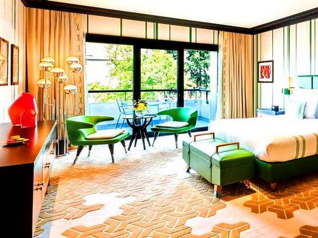 يتمتع احسن فندق في باكو بإطلالاتٍ ساحرة على أفق المدينة وواجهتها البحرية