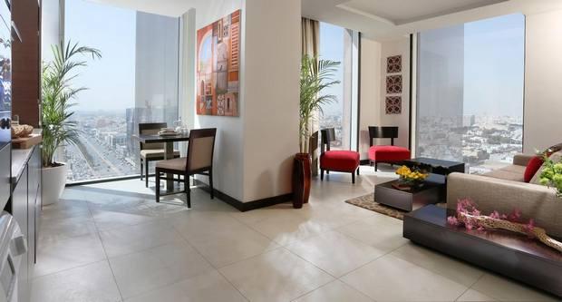 افضل فندق في جدة يوفر غرف بمساحات جيدة وإطلالة مميزة على المدينة