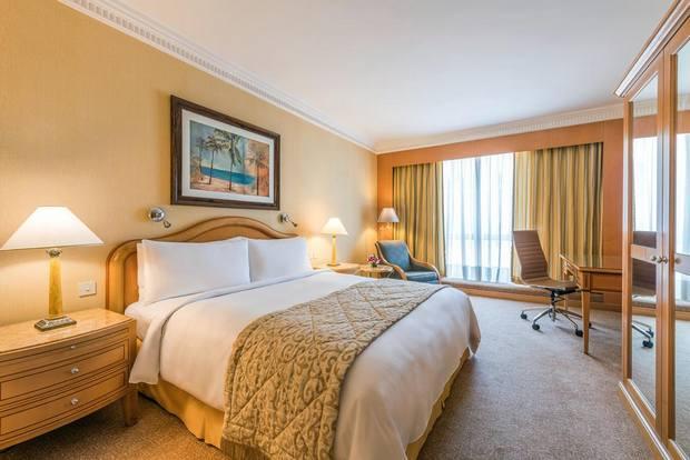 فنادق في الكويت قريبة من الاسواق أحد فنادق الكويت 5 نجوم يتميز بموقع رائع