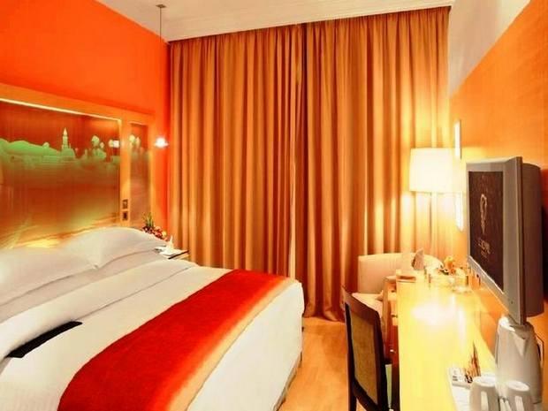 تتعدد فنادق في الكويت قريبة من الاسواق وخاصة سوق المباركية