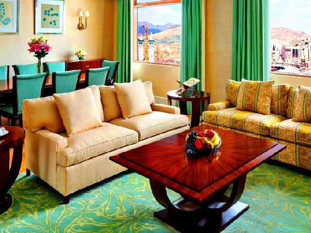 تتمتع افضل فنادق مكة بمواقع مميزة قريبة من الخدمات ومعالم السياحة في مكة البارزة