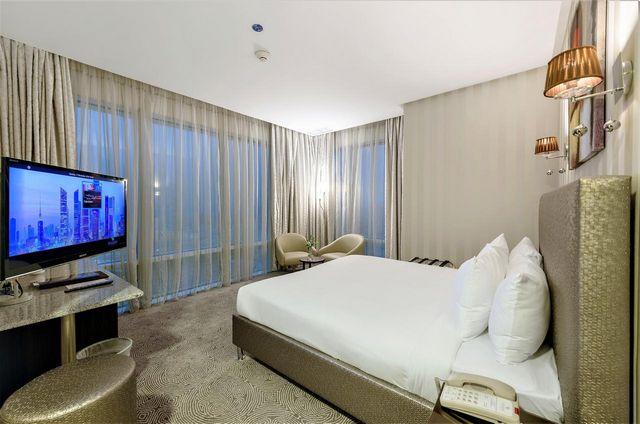 افضل فنادق الكويت بالقرب من سوق المباركية التي تتميّز بتوفير المرافق والخدمات الساحرة