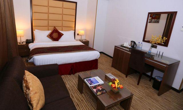 يُمكنكم التعرّف على 10 من افضل فنادق الشارقه للشباب والعوائل والعرسان بتقييمات عربية مُرتفعة