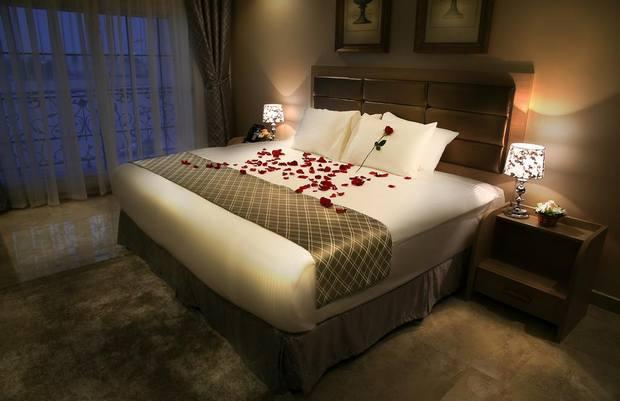 يعد فندق آدمز أجمل فندق بنيد القار مع خدمات ومرافق صحة متنوعة