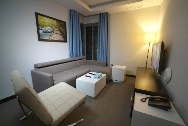 أحد فنادق في بنيد القار بالكويت يوفر خدمة جيدة بأسعار اقتصادية