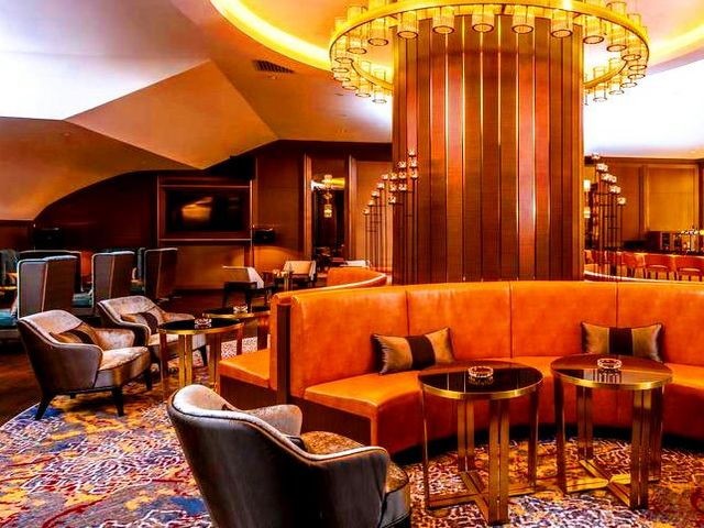 تتمتع كافة فنادق شارع العرب كوالالمبور بموقعٍ قريب من الخدمات