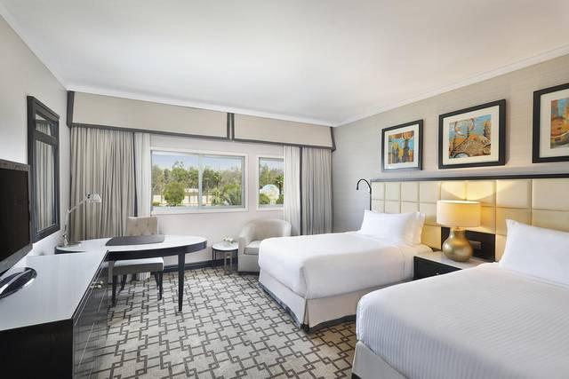 قد يكون حجز فنادق القاهرة 5 نجوم أمرٌ مُحيِّر، لذلك ننصحك بفندق  فيرمونت هليوبوليس