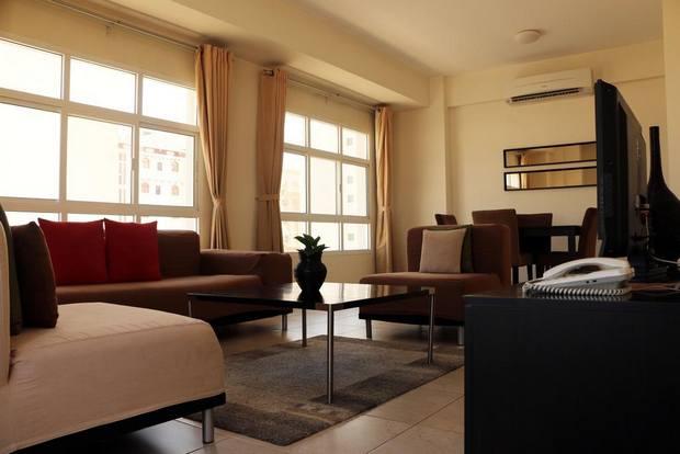 ارخص فندق في مسقط مع مستوى خدمة جيد وغرف بمساحات جيدة