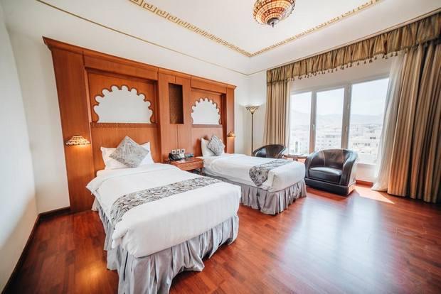 خيار جيد جدًا من ضمن ارخص فنادق مسقط يوفر إطلالة مميزة على أفق المدينة