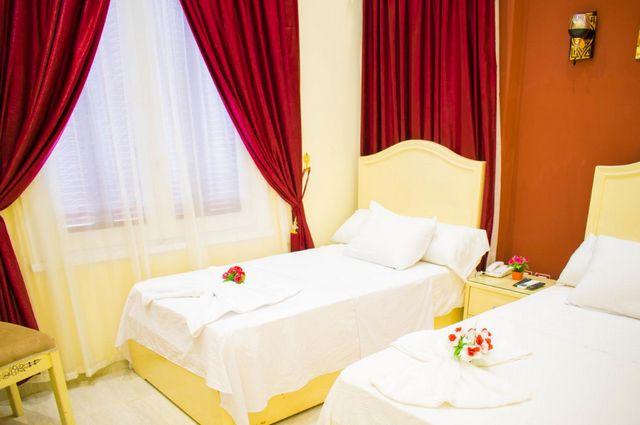 تضم فنادق وسط البلد بالقاهرة رخيصة غرف فسيحة راقية
