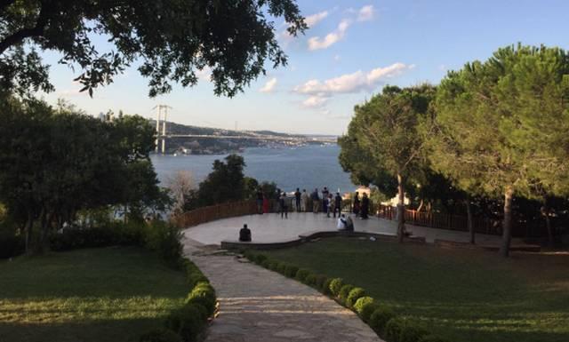 يُمكن لمُجبي الرياضة الركض في الممر الموجود في حديقة فتحي باشا اسطنبول