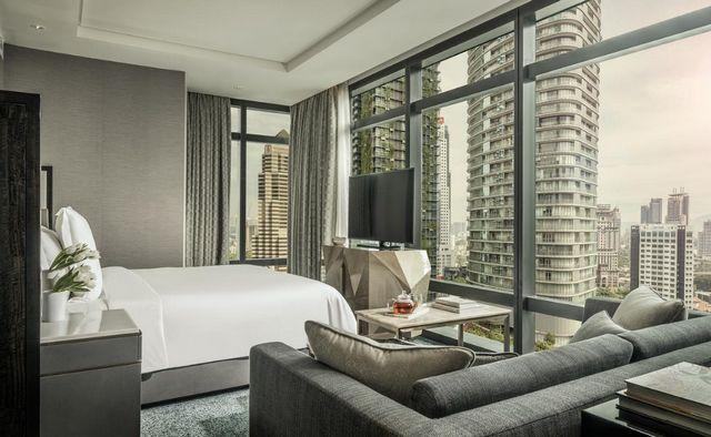 يوفر فندق فور سيزون كوالالمبور غرف عائلية عصرية