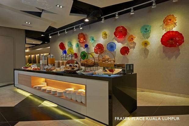 فندق فريزر بليس كوالالمبور يوفر مطعم بأطباق عالمية