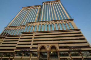 يتميز فندق جراند مكه بالرقي والإطلالات المُميزة