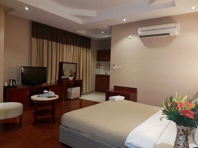 غرف نوم بتجهيزات شاملة في شقق فندقية في قطر قريبه من سوق واقف