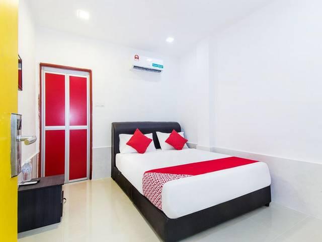 يتميز  فندق أويو 414 أديف بالاس كوالالمبور عن الفنادق القريبة من مطار كوالالمبور  بموقع مُميّز
