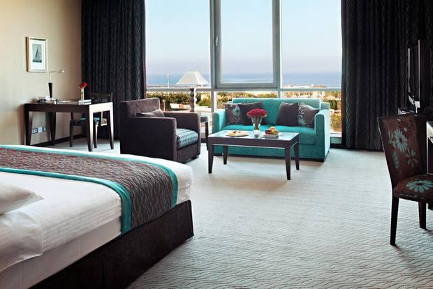 فندق إيلاف جدة من فنادق جدة خمس نجوم على البحر يوفر إطلالة بحرية ساحرة