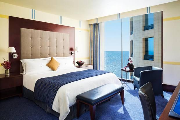 من افضل فنادق جدة على البحر يتميز بتصميم عربي راقي وخدمات ومرافق متنوعة