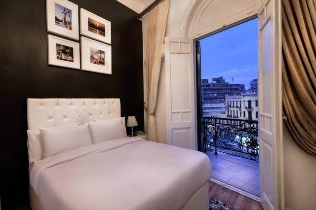 يُعد ذا سكوير بوتيك هوتل افضل فنادق شارع قصر النيل لكونه يضم العديد من المرافق الخدمية والترفيهية