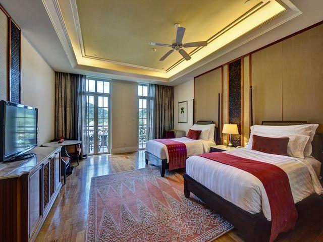إطلالات رائعة في أجمل فنادق لنكاوي على البحر