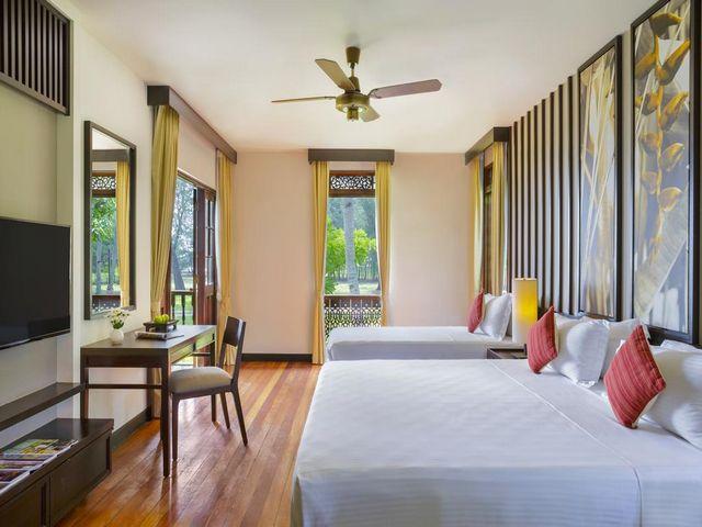 مُعظم فنادق لنكاوي المطله على البحر تتوسط الغابات الاستوائية الجميلة