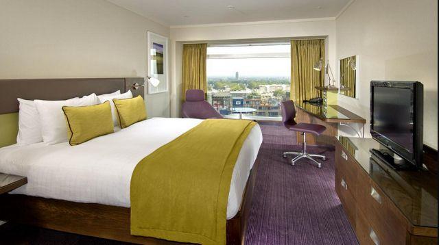 دليل يضم ما رشحناه لكم من افضل فنادق لندن شارع العرب