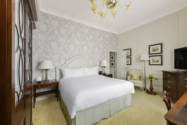 يُعد  فندق سافوي لندن من اجمل فنادق لندن بسبب موقعها المُميز