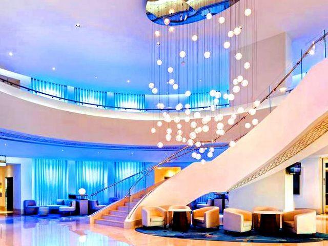 يوفر فندق جي ايه اوشن فيو دبي العديد من المرافق الترفيهية والخدمات الشاملة