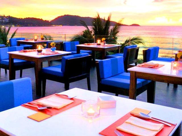 تتمتع فنادق بوكيت على البحر بمواقع استراتيجية
