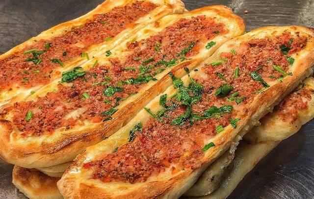 تحتوي هذه الصورة على سمة alt فارغة; اسم الملف هو Sultan-Ayoub-Istanbul-Restaurant1.jpg