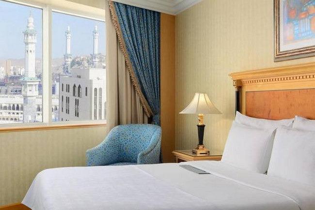 يضم شارع أجياد مكة فنادق تُعد الأهم بين فنادق مكه الأُخرى، إليهم أهم الفنادق به.