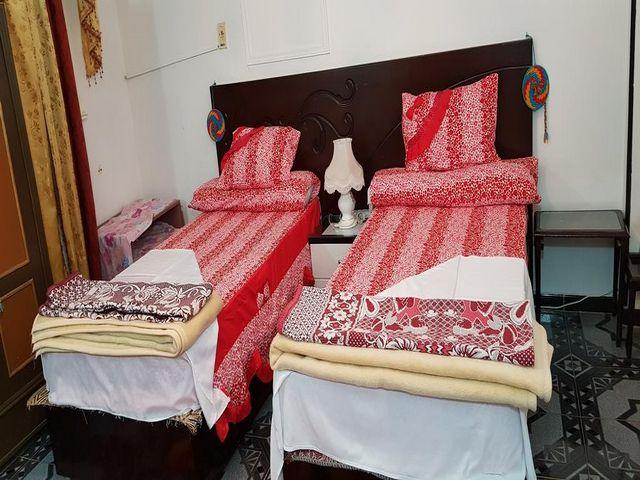 يتميز البيت النوبي اسوان بألوان زاهية وديكورات بسيطة