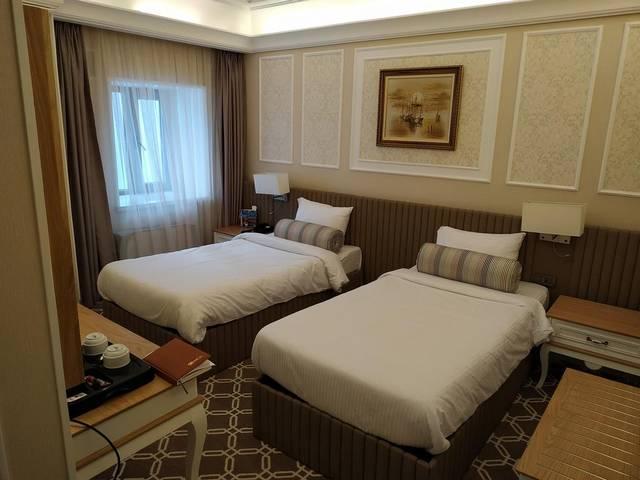 يُعد فندق ثيتروم باكو من افضل فنادق باكو وسط المدينة وتتميز بموقعها الرائع