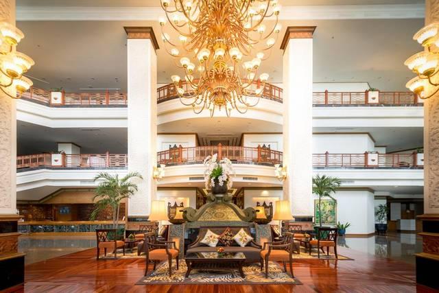 يتميز  رويال كليف غراند هوتيل بضمه لخدمات مُتميّزة جعلته من افضل فنادق بتايا على البحر الفاخرة