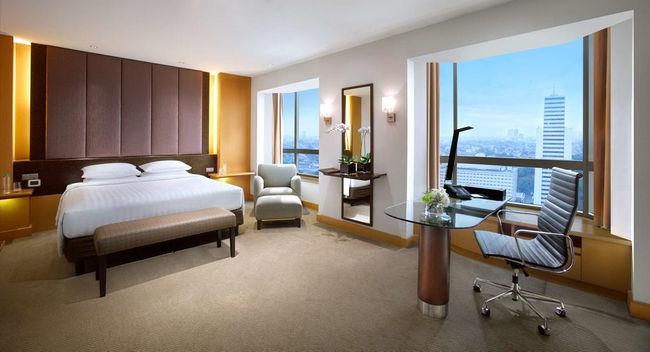 نوافذ كبيرة وغُرف مُريحة في افضل فنادق جاكرتا خمس نجوم