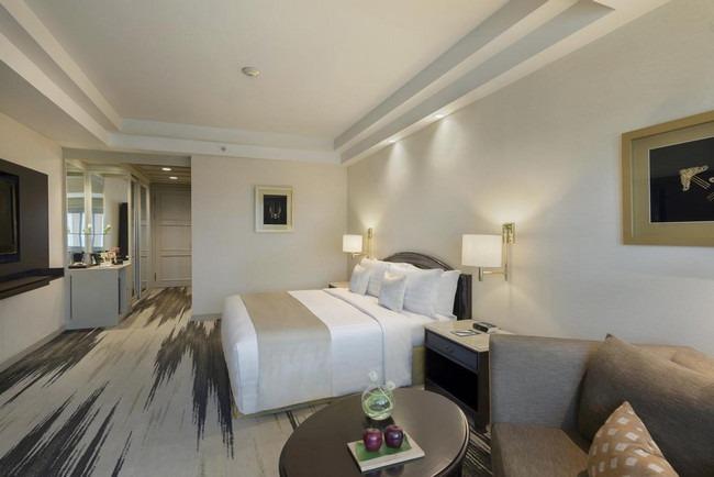 فنادق خمس نجوم في جاكرتا تحتوي على غُرف فسيحة وأثاث أنيق