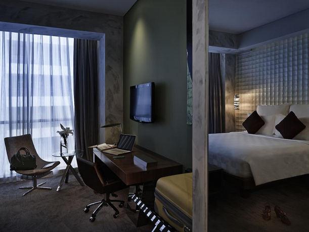 منطقة عمل مُميّزة في افضل فنادق جاكرتا 5 نجوم