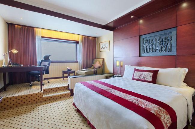 منطقة عمل رائعة في غُرف افضل فنادق جاكرتا 5 نجوم