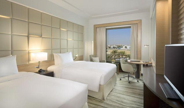 بعد رصد آراء الزوّار العرب ممَن سبق لهم الإقامة بالرياض، نعرض لكم افضل فنادق الرياض لاختيار ما يُناسبك