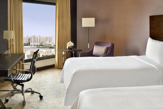 فندق السفارات الرياض يشمل مكتب للعمل وإطلالة مُريحة