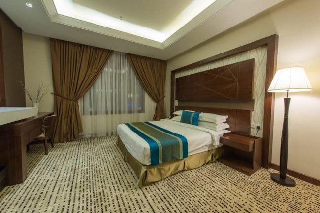 أسّرة مُريحة و أثاث راقي في فنادق حي السفارات في الرياض