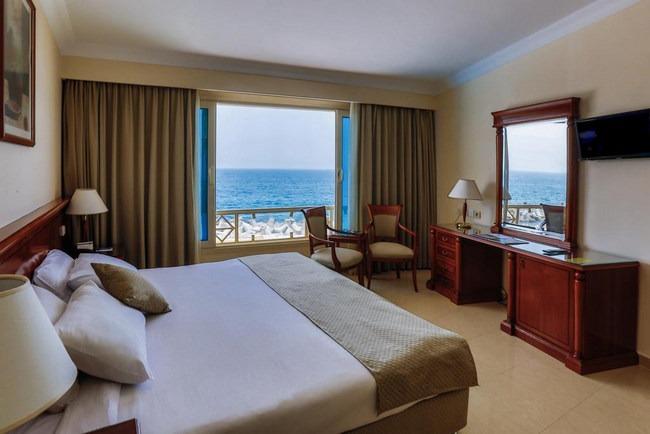 السكن في الاسكندرية كالحلم في غُرف بإطلالة على البحر