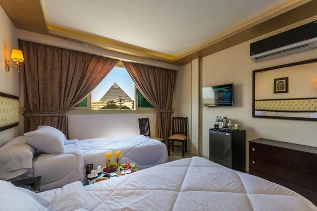 يتميّز فندق بانوراما بيراميدز إن بموقع مُميّز وفريق عمل محترف لذلك صٌنف افضل مكان للسكن في القاهرة للشباب