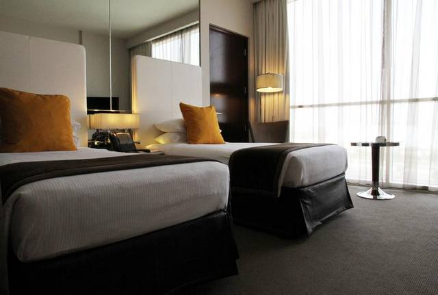 يُعد فندق سنترو جزيرة ياس من افضل الفنادق عند حجز ارخص فنادق ابوظبي لضمه خدمات عديدة مما يجعله الخيار الأمثل