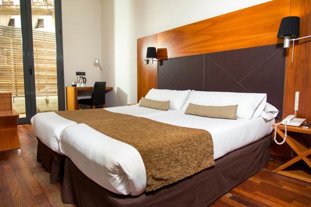 أرخص فنادق برشلونة إسبانيا افضل فنادق اقتصادية راقية