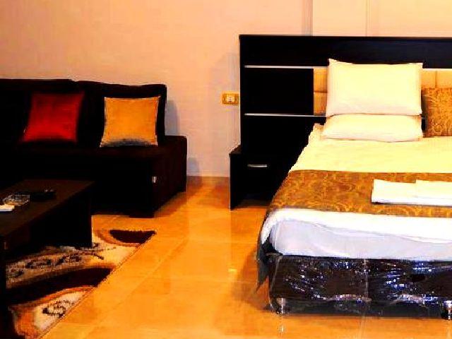 السكن في أحد الفنادق في شارع الوكالات تجربة مميزة بفضل خدماتها الشاملة