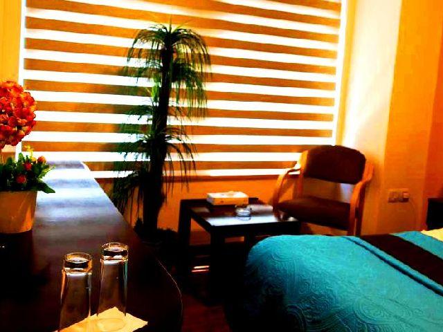 تضم فنادق شارع الوكالات عمان عدة مرافق ترفيهية
