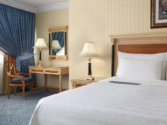 يضم شارع الهجرة مكه فنادق تُعد الأفضل بين فنادق مكه من حيث الخدمات والأسعار الاقتصادية.