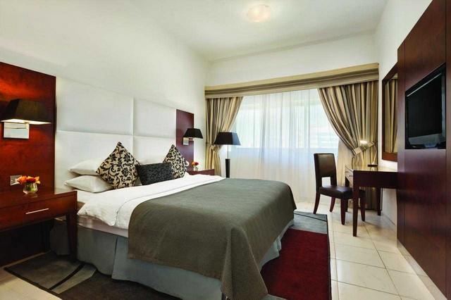 رمادا من افضل فنادق مع مسبح خاص في الامارات التي تُقدّم شقق من غُرفة نوم واحدة.