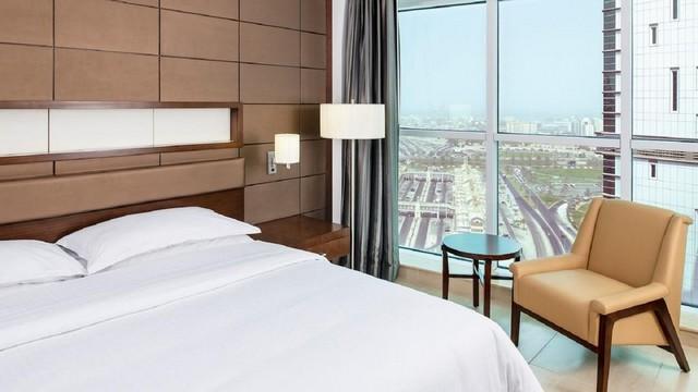 فندق فور بوينتس باي شيراتون الشارقة من افخم فنادق الشارقة بمسبح خاص